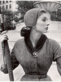 Women's Tweed Fashions Lmina fotogrfica de primera calidad por Nina Leen