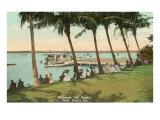 Watching Boat Races, Palm Beach, Florida Giclée-Premiumdruck