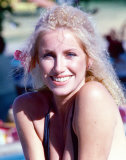 Suzanne Somers Photo