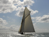 Mariquita under Sail During Round the Island Race, the British Classic Yacht Club Regatta, July 2008 Lámina fotográfica por Rick Tomlinson