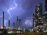 Lightning During Thunderstorm Above Petrochemical Industry in the Antwerp Harbour, Belgium Foto von Philippe Clement