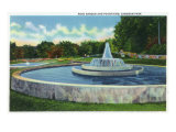Waco, Texas - Cameron Park View of the Rose Garden and Fountains, c.1944 Prints