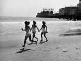 Beach at Atlantic City, the Site of the Atlantic City Beauty Contest Fotografisk tryk af Peter Stackpole