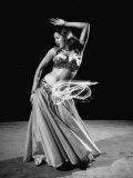 Egyptian Dancer Samia Gamal, Thrusting Sidewise to Make a Lassolike Pattern Fotografisk tryk af Loomis Dean