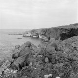 Peter Stackpole - American Marines Searching Craggy Cliffs for Japanese Snipers and Island Civilians - Fotografik Baskı