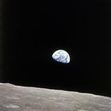Apollo 8 View of Earth Rise over the Moon - Fotografik Baskı