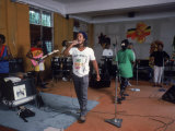 Musician Ziggy Marley Practicing with Band the Melody Makers Reprodukcja zdjęcia premium autor Ted Thai