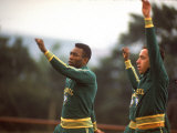 Soccer Star Pele and Teammates Loosen Up before a Practice Prior to World Cup Competition Fototryk i høj kvalitet