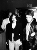 Singer Madonna and Husband Sean Penn Walking to Seats at Tyson-Spinks Fight Fototryk i høj kvalitet