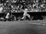 Giants Player, Willie Mays, Batting During Game with Dodgers Impressão fotográfica premium