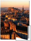 Castillo de Edimburgo y la Ciudad Vieja vistas desde Arthur's Seat, Edimburgo, (Reino Unido) Láminas por Jonathan Smith