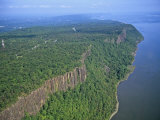 Palisades Along the Hudson River, New Jersey, USA Photographic Print by Jim Wark