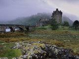Eilean Donan Castle, Standing Where Three Lochs Join, Dornie, Highland Region, Scotland, UK Reproduction photographique par Patrick Dieudonne