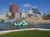 Buckingham Fountain in Grant Park with Sears Tower and Skyline Beyond, Chicago, Illinois, USA Photographic Print by Amanda Hall