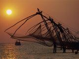 Fishing Nets at Sunset, Cochin, Kerala State, India Fotografisk trykk av Harding Robert