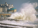 Waves Pounding Bandstand, Storm in Eastbourne, East Sussex, England, United Kingdom, Europe Photographie par Ian Griffiths
