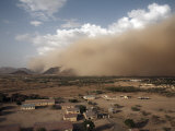 Sandstorm Approaches the Town of Teseney, Near the Sudanese Border, Eritrea, Africa Fotografisk tryk af Mcconnell Andrew