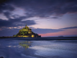 Mont St. Michel, Illuminated at Dusk, La Manche Region, Basse-Normandie, France Photographie par Rainford Roy
