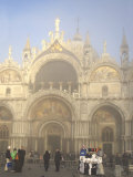 St. Mark's Basilica in Mist, Venice, UNESCO World Heritage Site, Veneto, Italy, Europe Impressão fotográfica por Thouvenin Guy