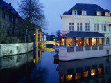 Reflections in the Canals of Restaurant and Bridge, Illuminated in the Evening, in Bruges, Belgium Fotografisk trykk av Pate Jenny