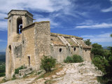 13th Century Church in the Village of Oppede Le Vieux, in the Luberon, Provence, France, Europe Impressão fotográfica por Thouvenin Guy