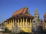 Exterior of the Saravan Pagoda, Buddhist Temple, on the Tonle Sap River in Phnom Penh, Cambodia Photographic Print by Wright Alison