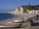 Beach and Falaise D'Amont, Etretat, Cote D'Albatre, Haute Normandie, France, Europe Impressão fotográfica por Thouvenin Guy