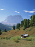 Small Hut in the Val Di Gardena in the Dolomites, Trentino Alto Adige, Italy, Europe Photographie par Rainford Roy