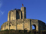 Exterior of Gisors Castle with Visitors on Battlements, Haute Normandie, France, Europe Impressão fotográfica por Thouvenin Guy