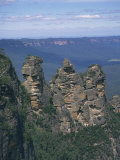 Three Sisters Rock Formations in the Blue Mountains at Katoomba, New South Wales, Australia Photographic Print by Wilson Ken