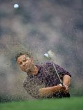 Golfer Blasting a Shot Out of a Sand Trap, San Diego, California, USA Fotografisk tryk af Chris Trotman
