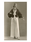 Twenties Mannequin in Black and White Dress Prints