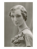 Twenties Female Mannequin with Pearls Láminas