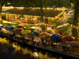 River Walk Restaurants and Cafes of Casa Rio, San Antonio, Texas Impressão fotográfica por Bill Bachmann