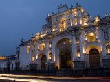 Cathedral in Square, Antigua, Guatemala Fotodruck von Bill Bachmann