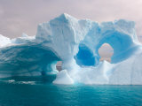 Arched Iceberg, Western Antarctic Peninsula, Antarctica Fotografisk tryk af Steve Kazlowski