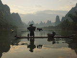 Traditional Chinese Fisherman with Cormorants, Li River, Guilin, China Papier Photo par Adam Jones