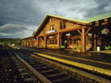 Train Station Depot, East Glacier, Montana, USA Stampa fotografica di Chuck Haney