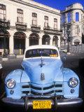 Classic Cars, Old City of Havana, Cuba Fotografisk trykk av Greg Johnston