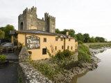 Medieval Castle, County Clare, Ireland Fotografiskt tryck av William Sutton