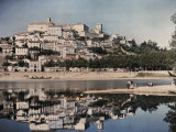 View of Portugal's Capital, Coimbra, Reflected in the Mondego Lámina fotográfica por Courtellemont, Gervais