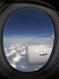 View Out of an Airplane Window During Flight Reproduction photographique par Greg Dale