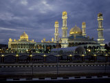 Twilight View of an Illuminated Mosque in Brunei Fotografisk tryk af Paul Chesley