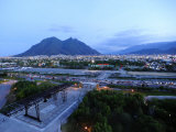Monterrey at Dusk with Cerro De La Silla in the Background Fotografiskt tryck av Raul Touzon