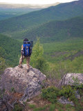 Woman Backpacker Looking at the Valley in Shenandoah National Park Reproduction photographique par Greg Dale