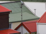 Red and Green Roofs on Homes in Stanley, Falkland Islands Fotografie-Druck von Kent Kobersteen