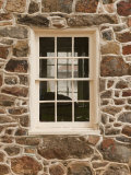 Window at a Historic Stone House in Gettysburg, Pennsylvania Reproduction photographique par Greg Dale