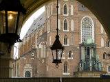 View of the Facade of St. Mary's Church Through an Archway Photographie par Abraham Nowitz