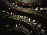 Tourists on a Winding Staircase in One of the Vatican's Museums Fotografisk tryk af Paul Chesley