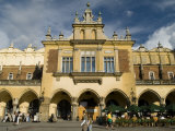 Cloth Hall or Sukiennice in the Market Square or Rynek Glowny Photographie par Abraham Nowitz